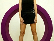 Heidi Klum Shows Her Sexy Legs
