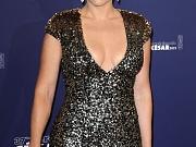 Kate Winslet showing big cleavage