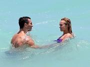 Hayden Panettiere in tube bikini