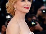 Nicole Kidman showing huge cleavage
