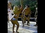Carla Perez baile en tanga