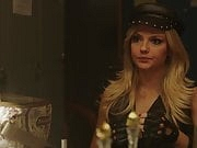 Emily Meade, unknown strippers - ''The Deuce'' s3e05