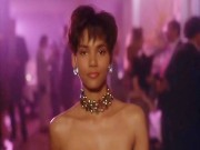 Halle Berry - Stricly Business